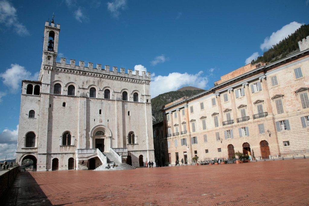 Piazza Grande a Gubbio Umbria